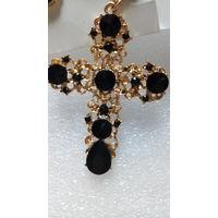 Большой крест с чёрными камушками.  распродажа