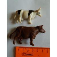 Игрушки, две тёлочи-коровы