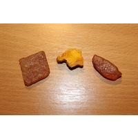 Куски натурального янтаря, общий вес 14 грамм.