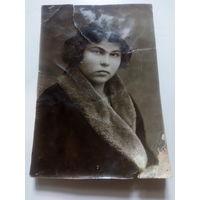 Старое фото девушки 1937г