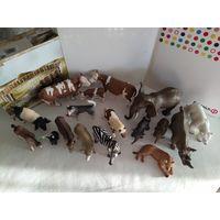 Фигурки  животных Schleich(Шляйх,Германия)одним лотом(лот из 17 фигурок)