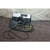 Фотоаппарат времён СССР, ФЭД МИКРОН 2, рабочий, крышка на объектив, светофильтр.