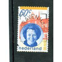 Нидерланды. Ми-1160. Королева Беатрикс и кирха. 1980.