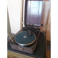 Электропроигрыватель ГП-46 (Грамофонная Приставка,выпуск 1955 г.)