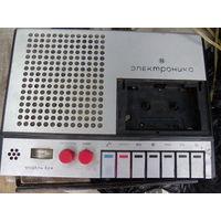 Магнитофон кассетный ЭЛЕКТРОНИКА 324.