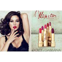 Attractive Monica (No 140), коллекция Dolce & Gabbana Monica Lipstick - соблазнительный, желанный, настоящий максимально насыщенный красный, притягательный и зовущий к поцелую. Именно тот, в котором М