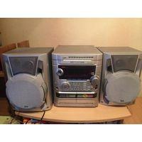 Музыкальный центр LG модель FFH-2108k. Хорошее состояние, практически не пользуюсь. Три диска, караоке, микрофон в комплекте, две кассеты.