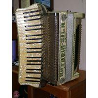 Старинный итальянский аккордеон  Camerano