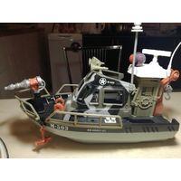 Корабль(военный катер)