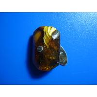 Запонка янтарная с серебряной застёшкой 875 проба