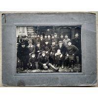 Фото группы суровых мужиков. 1920-30-е. 13х17 см.