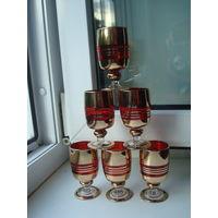 Шесть красных винтажных бокала с позолотой в отличном состоянии, 60-ые годы. СССР.