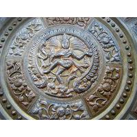 Изумительное индийская религиозная панно. БРОНЗА.Серебрение.