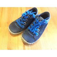 Ботинка ECCO 21 размер (стелька 14 см). Натуральная кожа и замша, отличное состояние, есть естественные следы носки. Покупали дорого.