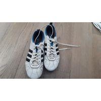 Фирменные бутсы Adidas, размер 37. Кожа.