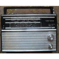 Радиоприемник ВЭФ-202.Рабочий 2