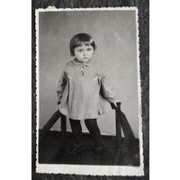 Фото девочки. 1950-е. 8,5х13 см.