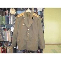 Мундир повседневный(китель и брюки) ст. лейтенанта-автомобилиста СА, размер 48/3.