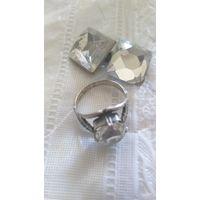 Комплект: кольцо и серьги