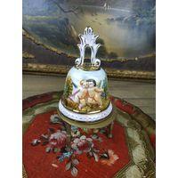 Колокольчик настольный Фарфор лепка роспись золочение ручная работа Capodimonte Италия
