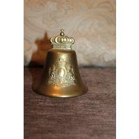 Тяжёлый, литой, латунный, вызывной колокольчик высота 10,5 см.