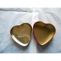 Подарочная, жестяная баночка в виде сердечка. распродажа