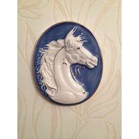 Фарфоровое панно Лошадь