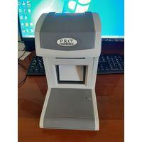 Инфракрасный детектор валют (PRO detection, модель 1500 IR) в рабочем состоянии, без оптической мыши.