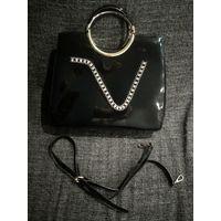 Лакированная сумочка со стразиками