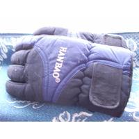 Перчатки для игры в хоккей