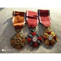 Крест заслуги 1, 2, 3-го класса. Польша. Цена за комплект