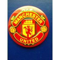 "Значок с Логотипом Футбольного Клуба ""Манчестер Юнайтед"" Англия - Диаметр - 5.5 см."