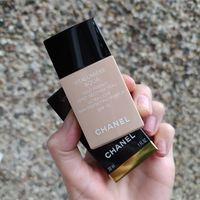 Chanel Vitalumiere Aqua Ultra-Light Skin Perfecting Makeup 30 ml (20 Beige)
