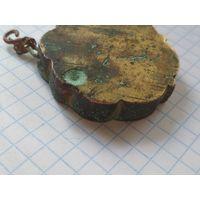 Старинный медальон.