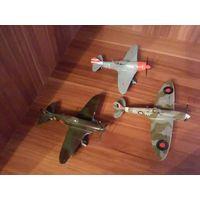 Модели истребителей в масштабе 1/72.