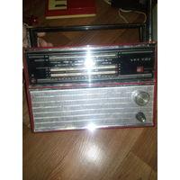 Радиоприемник VEF-202 красного цвета