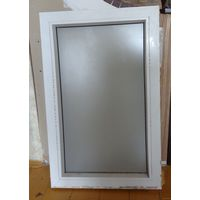 Рама оконная-пластик + металл. 830 мм*530 мм. Стекло одинарное ( не стеклопакет ) матовое.