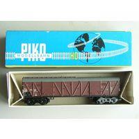 Грузовой вагон 4-х осный  PIKO ПИКО Масштаб 1:87 HO производство 1970-х годов