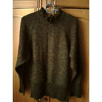 Теплый мягкий свитер,48-50 р