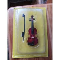 Скрипка из серии Музыкальные инструменты в миниатюре