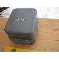 Электрический ящик из прочнейшего железа. Советское качество.