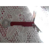 Нож-открывалка.