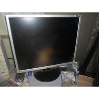 Монитор LG Flatron L1952 отличное состояние+клавиатура в подарок