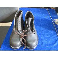 Отличные советские крепкие кожаные ботинки, 1991 г, стелька 27 см.