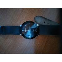 Продам кварцевые часы в хорошем состоянии.