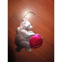 Елочная игрушка СССР . Медведь с мячом . Картонаж