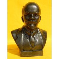 Ленин, высота 17см.