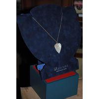 Кулон-Медальон-Подвеска на шею из бабушкиного СУНДУЧКА: винтажное изделие, вырезанное из перламутровой цельной пластины, в отличном, коллекционном состоянии для своего периода-ГДР-!