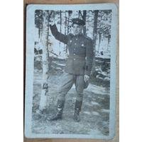 Фото военного с медалью. 6х9 см