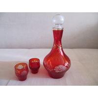 Комплект графин + 2 рюмки. Красное стекло ручная огранка 60-70-е годы